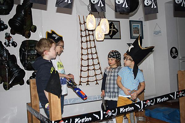 Piraten beim Spielen