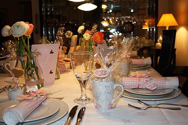 Osterbrunch Tischdekoration